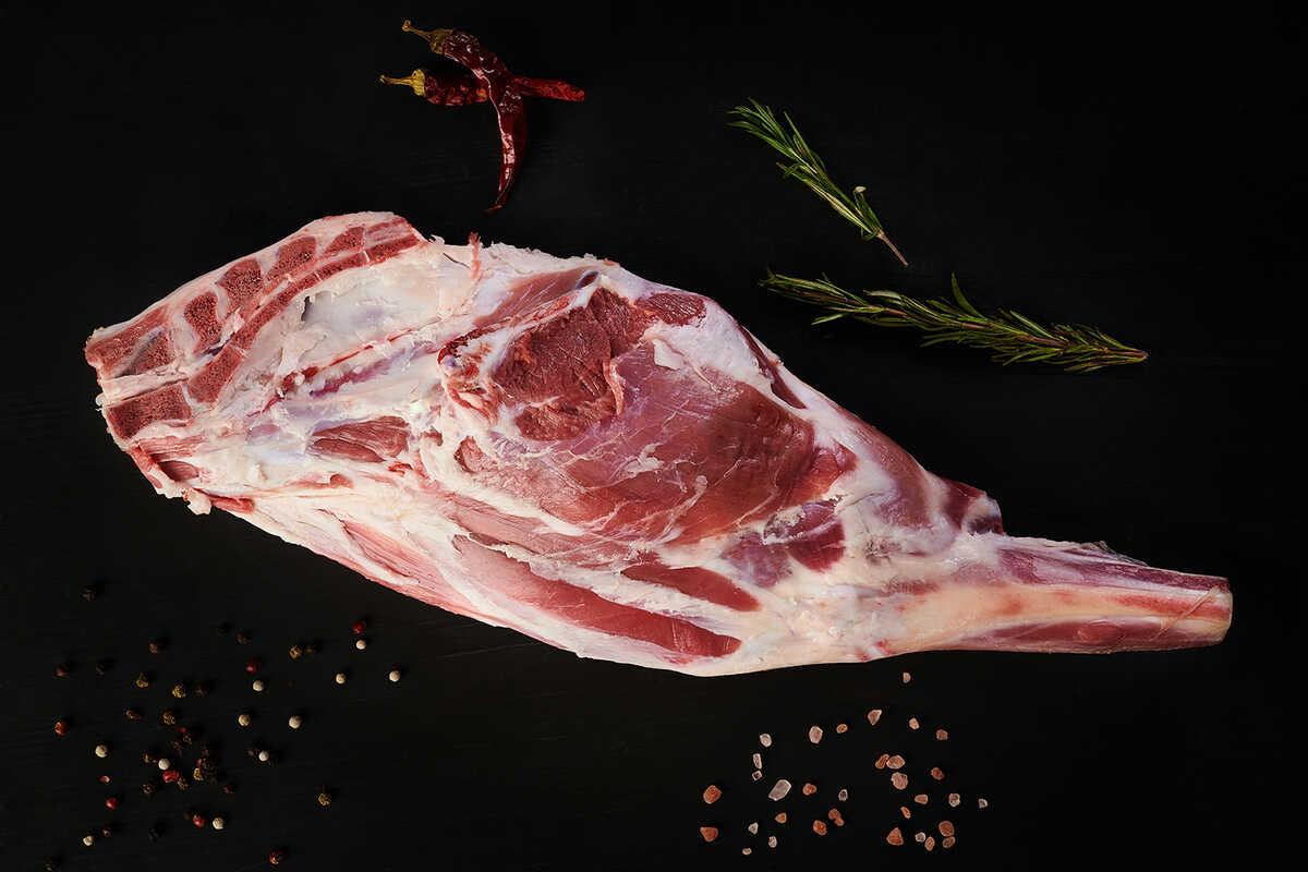 Whole Lamb Leg (2,4-2,7 kg.)