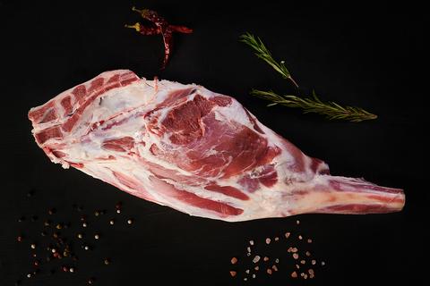 - Whole Lamb Leg (2,4-2,7 kg.)